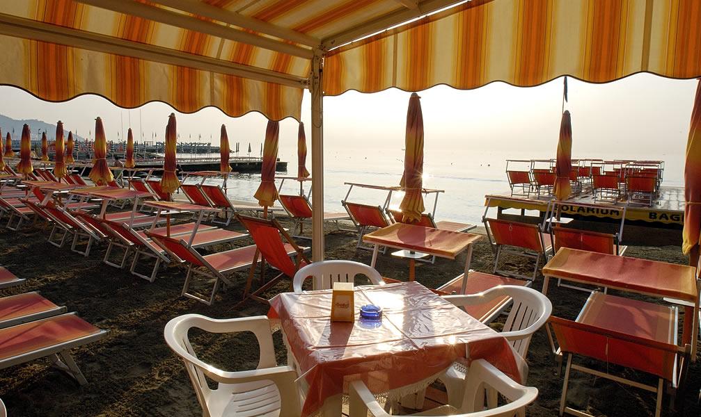 Bagni bianca camping strand diano marina campingplatze meer