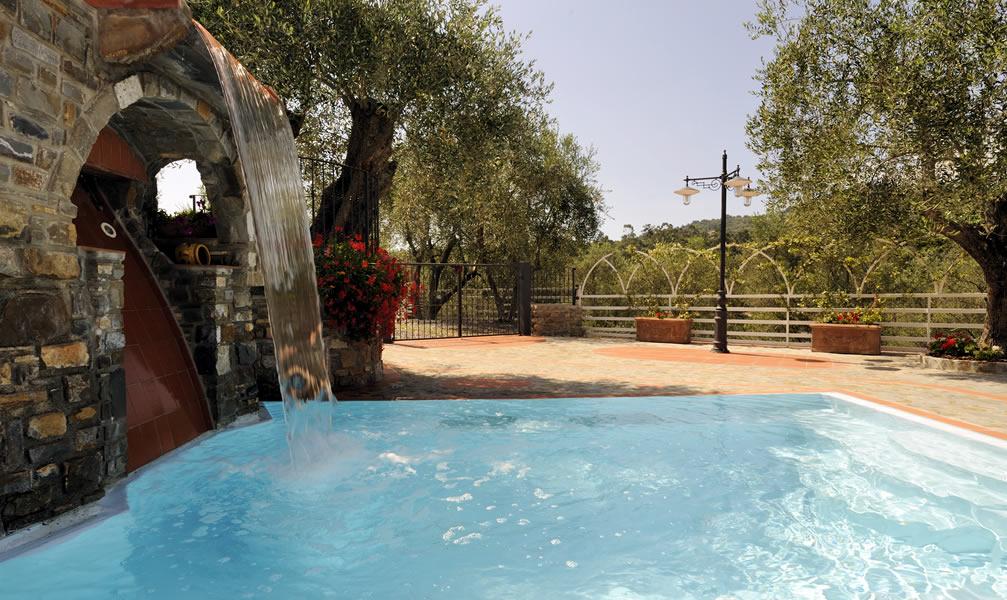 Riviera dei Fiori Camping con piscina Liguria campeggio ...