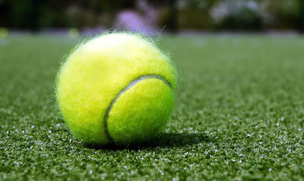 Camping tennisveld liguri diano marina - Verkoop synthetisch gras ...