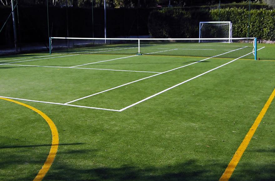 Ligurie camping avec terrain de tennis diano marina for Terrain de tennis prix